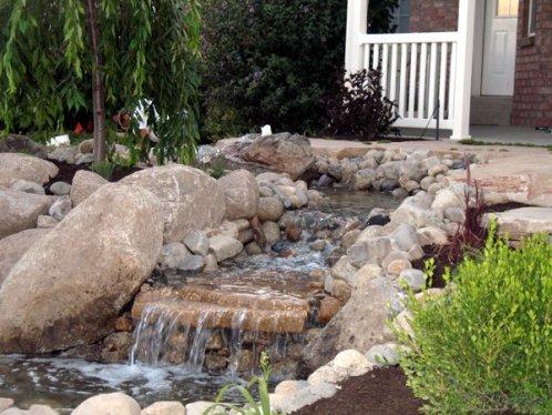 как сделать ручей своими руками в саду