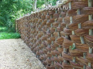 декоративный плетень на даче фото