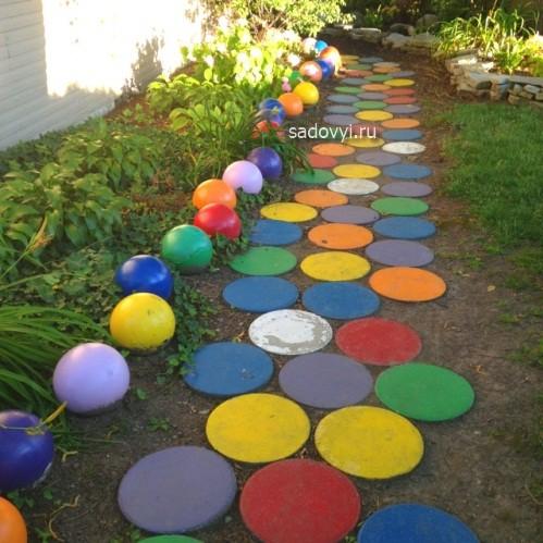 Дорожки в саду из подручных материалов