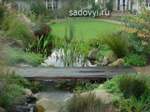 декоративные деревянные мостики для сада, фото