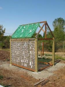 строительство садовой теплицы своими руками из бутылок