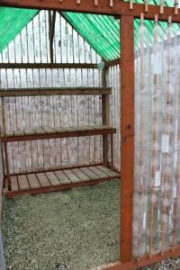 изготовление теплицы на даче из пластиковых бутылок