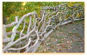 как сделать забор плетень на даче
