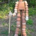 c7856ca5437a39824999bfde5be91a7f - Обустройство загородного дома и участка своими руками - Скульптуры для дачи из глиняных горшков своими руками